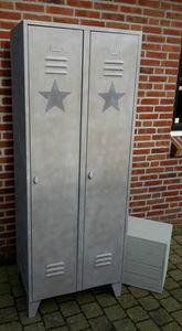 Afbeelding van 2 deurs locker in kleur met ster of colourwax